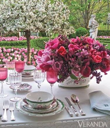 Outdoor table setting from Veranda